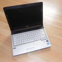 FSC Lifebook S761-Core i5-2520M@2,5GHz-4GB RAM-160GB HDD-DVD-ROM