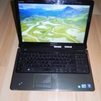 Dell Inspiron 1564 Intel Core i3 330M 2,3  4GB Ram 320GB HDD